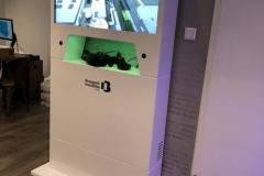 Stand z ekranem dotykowym 32 cale i oculus