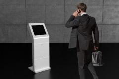 Infokiosk z ekranem dotykowym