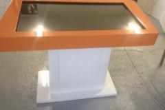 Stolik interaktywny z włókna szklanego