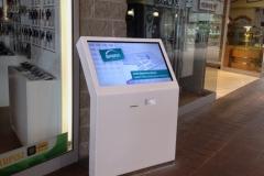 infokiosk-stand-interaktywny-centrum-handlowe-sfera-producent-traczynski-plast-produkt