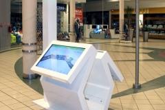 infokiosk-stand-multimedialny-informator-z-mapą-c-h-janki-warszawa-producentt-raczynski-plast-produkt