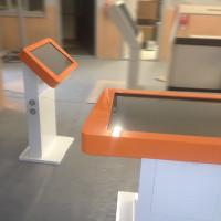 Stół i totem dotykowy multimedialny