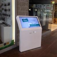 Infokiosk stand multimedialny z drukarką z ekranem dotykowym- CH-sfera-wykonany z włókna szklanego