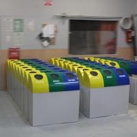 śmietniki pojemniki kosze do segregacji odpadów z włókna szklanego na zamówienie