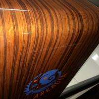 Wózek dla sprzątaczki kompozytowy z włókna węglowego i włókna szklanego lakierowany na wysoki połysk
