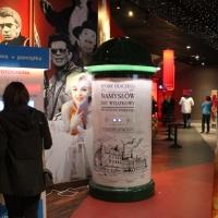 Stand kolumnowy Fotoplastikon Namysłów Słup ogłoszeniowy wykonany z włókna szklanego