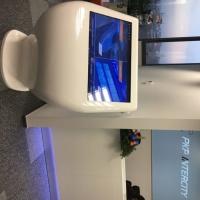 Infokiosk biuro PKP Intercity wykonany z włókna szklanego
